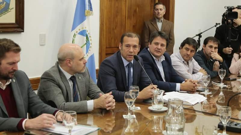 Firmaron el contrato de concesión de la zona franca en Zapala